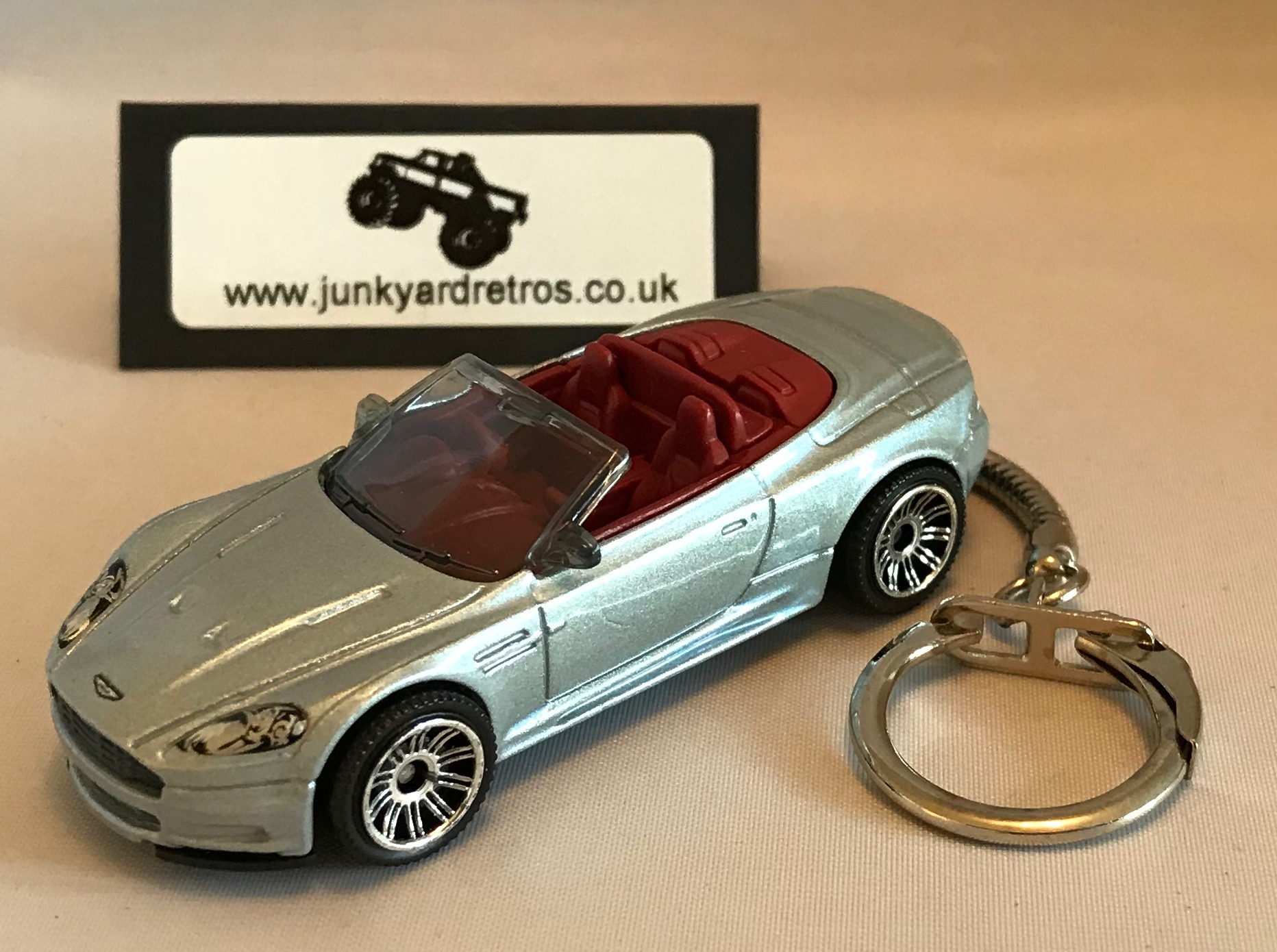 aston martin dbs convertible keyring / keychain 1/56 scale silver